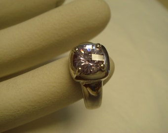 vintage 1970's lilac color topaz stone in solid sterling silver