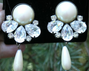 Vintage signed  B&W Pearl and Rhinestones  dangling Earrings  Clip-on