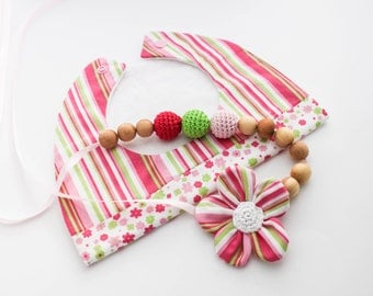 Girly Gift Set: Nursing Necklace/Teething and Baby Bib Made in Israel by CasaDeGato