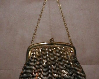 Vintage WHITING & DAVIS Gold Metal Mesh Purse