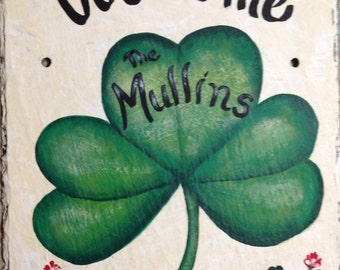 Hand Painted Hanging Personalized Slate Welcome Sign Irish Shamrock FAILTE sign, St Patricks day decor, Irish welcome sign, Shamrock sign