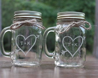 2 Engraved Mason Jars Mugs, Engagement Gift Glasses, Couples Gift, Personalized Wedding gift, Wedding Present, Toasting mason Jar Mugs