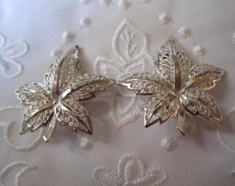 Vintage Silver Tone Delicate Lacy Leaf Clip On Earrings