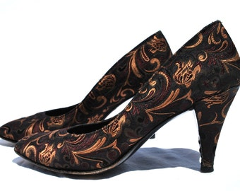 Vintage 80's XAVIER DANAUD tapestry baroque shoes pumps heels s8 1/2 shoes by thekaliman