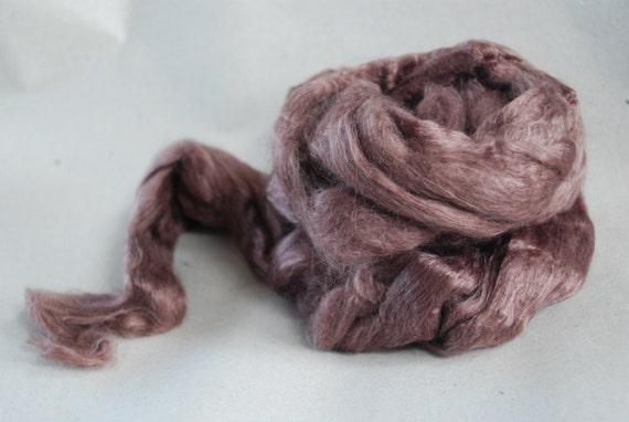 PLUM Mulberry Silk & superfine 18 mic Merino Wool Blend colour nr.723