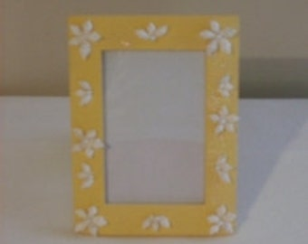 Sea Shell Picture Frame - Yellow