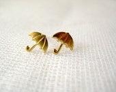 Small gold tone brass umbrella stud earrings - Sing in the Rain