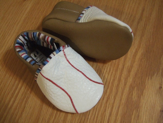 https://www.etsy.com/listing/177498697/baseball-baby-shoes-size-3-6-months?ref=shop_home_active_21