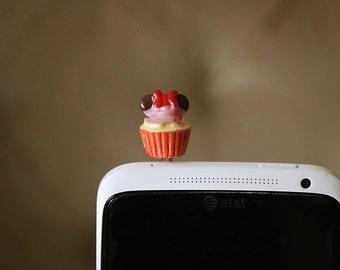 Minnie Cupcake cellphone plug
