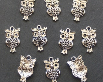 SALE, OWL Charms x 10, tibetan silver style, antique silver tone, UK seller, reduced, was 1.50, now only 1 pound while stocks last
