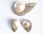 Earings and Brooch Set