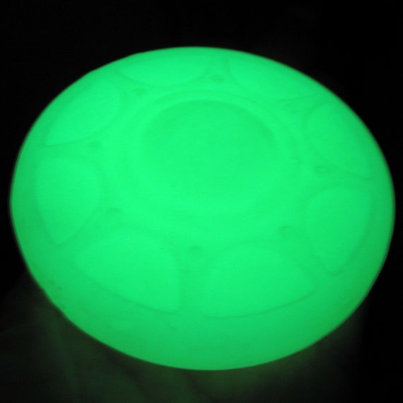 UNIDENTIFIED Foaming Object Soap - GLOW in the Dark UFO. - Spa Tonic Scent - Vegan
