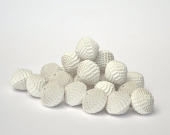 Paper Beads of corrugated cardboard - balls