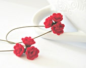 Spanish carnation earrings - Red wool felt flower earrings in antique gold vintage style