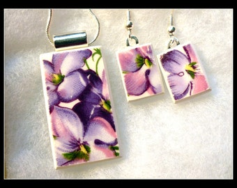 NANA'S VIOLETS - Recycled Broken CHINA Plate Necklace and Earring Set