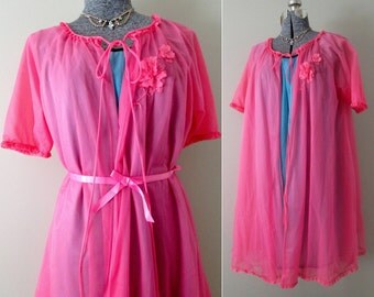 Mod Vintage 60s VANITY FAIR Hot Pink Chiffon Babydoll Peignoir Lingerie - Sheer Neon Shocking Pink Bright Robe Mini Short Negligee Nightgown