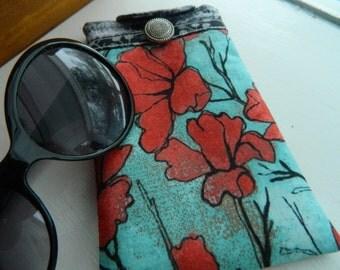 """Padded Eyeglass Case, Sun glass Case, , Gift For Coworker, Glasses Case, Eyeglass Holder, Gift Under 20 """"Geranium"""" Designer Fabric"""