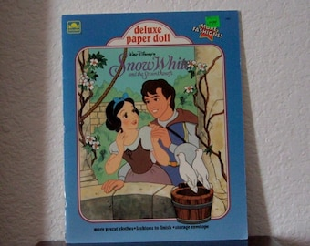 Paper Doll Book,  Snow White, uncut, 1991