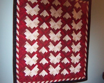 quilt  red and white pathwork courtepointe