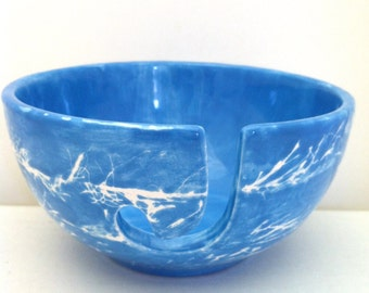 Yarn Bowl  - Blue Eyelash Yarn Design - Blue Pottery Yarn Bowl