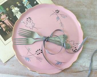 Old Foley Cake Platter in Dusky Pink - Wedding Decor