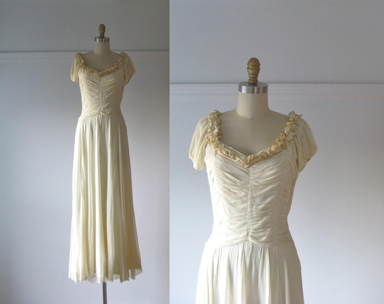 Jeune Mariée / 40s Dress / Vintage 1940s Wedding Dress