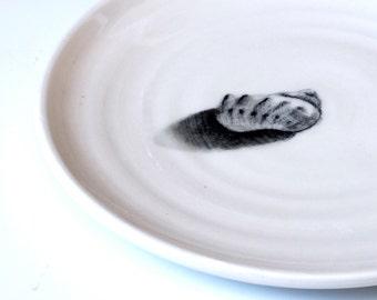 White plate with a Hand drawn seashell, Beach style dinnerware set,, White Home Decor