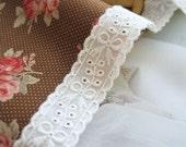 cotton eyelet lace 1yard (width 2cm)  51307-1