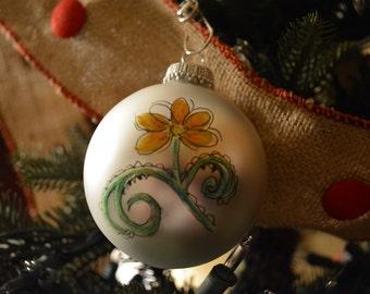 Watercolor Daisy Ornament