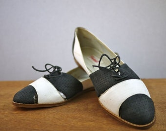 Vintage Black and White Brogue Cutout Oxford Shoes