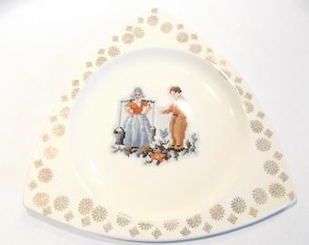 SALE Plate Tricorn by Salem Dutch Petit Point Pattern 1930s Patent 94245