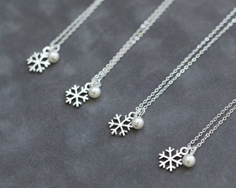 Snowflake Bridesmaid Jewelry Gift Set of 6, Winter Wedding Jewelry, Pearl & Sterling Silver Snowflake Necklace