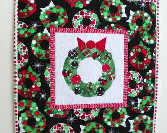 Christmas Mini Quilt - Holiday Wreaths