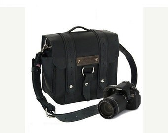 "10"" Black Napa Safari Leather Camera Bag - 10-V-BL-SMCAM"