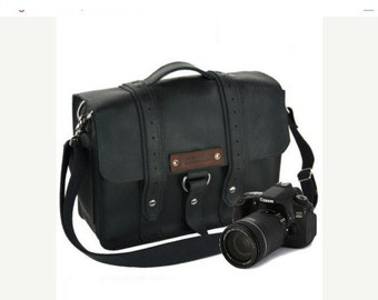 "14"" Black Newport Voyager Leather Camera Bag - 14-V-BL-LCAM"