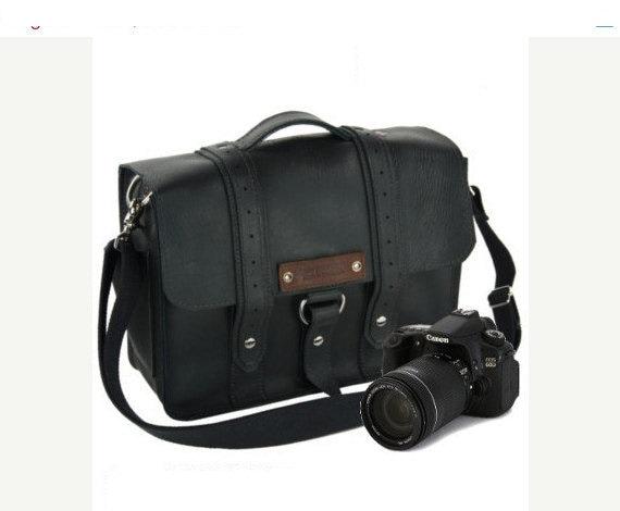 """14"""" Black Newport Voyager Leather Camera Bag - 14-V-BL-LCAM"""