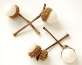 Felted Acorns, winter white acorns with stems nature woodland decor frost ecofriendly