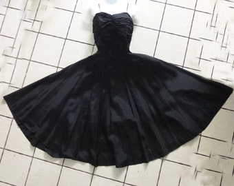 1950's Black Taffeta Black Dress-Circle skirt - skinny strap - S