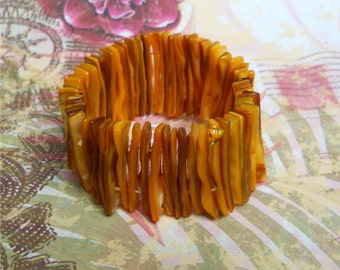 Dyed Shell Stretch Cuff Bracelet — Mustard