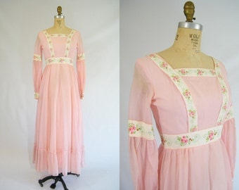 Vintage 1960s Prairie Dress / Pink / Maxi Dress / Hippie Dress / Long Dress / XS