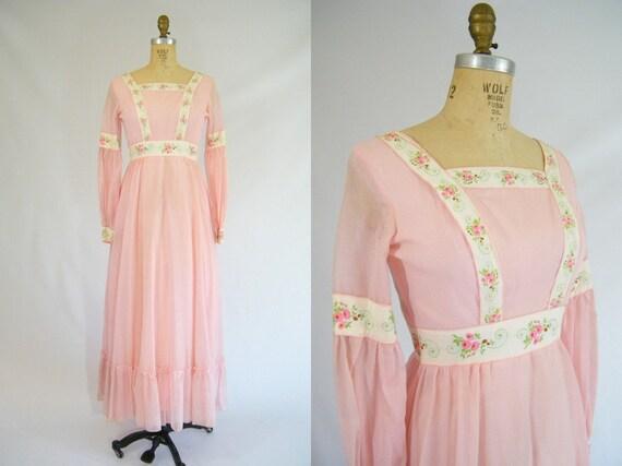 Vintage 1960s Prairie Dress / Pink / Maxi Dress / Hippie Dress / Long Dress / XS