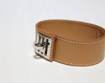 New Equestrian Buckle Ornament Leather Bracelet(TAN)