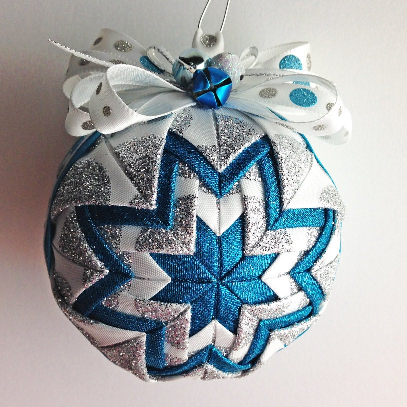 how to make handmade quilted ornaments frosty handmade quilted ornament by foxonthemoonllc on etsy 5365
