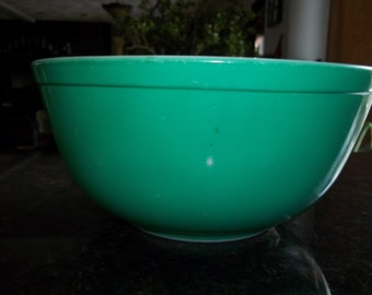 Green 403 Vintage Pyrex Nesting Mixing Bowl 2.5Quart