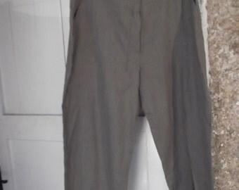 sale--pure LINEN CAPRI trousers, French size 38- 40, UK 10-12, sage green, khaki , 1990s