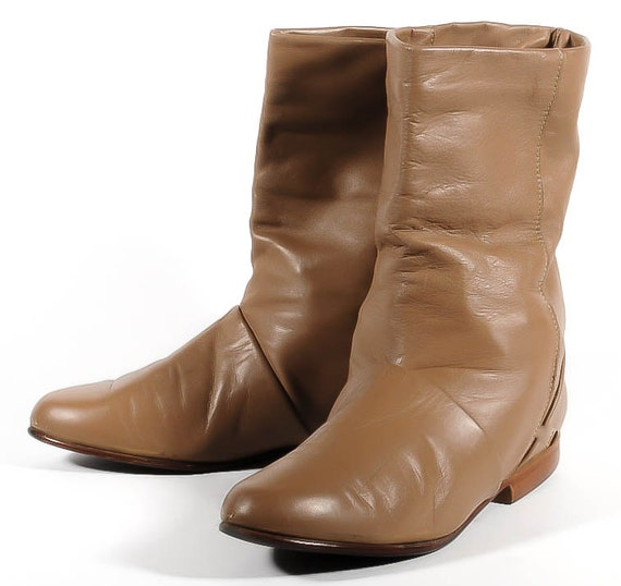 New Wave Boots Size 8 Woman's