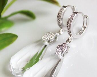 Crystal Clear Teardrop Wedding Earrings, Rhinestone Bridal Earrings, Bridesmaid Earrings, Mother of the Bride