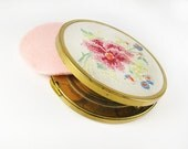 Vintage Mirror Compact with Embroidered Flower  / Vintage Mirror Compact with Pink Flower - Miroir Fleur.