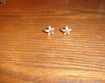 vintage screw back earrings faux pearl rhinestone flower