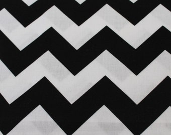 Black and White Medium Chevron Cotton by Fabric Riley Blake Designs.  Vintage Aprons Design, Baby Car Seat Cover, Headbands, Summer Dresses